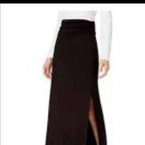 Stem high waisted, ruched black maxi skirt